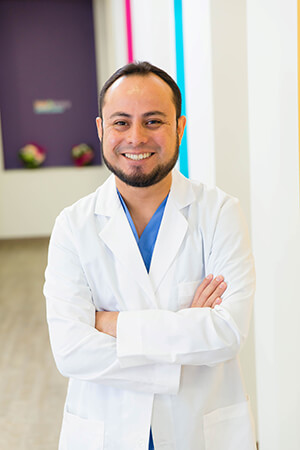Dr. Alvaro Carpio - Prosthodontist in Pearland also serving Houston